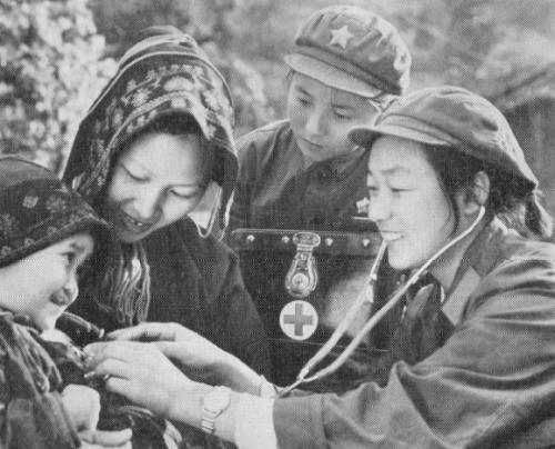 Barefoot-doctors-in-maoist-china1